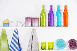 organized kitchen shelves - organizingu